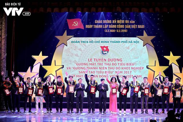 Hà Nội trao biểu tượng Thánh Gióng cho 5 cầu thủ U23 Việt Nam - Ảnh 14.