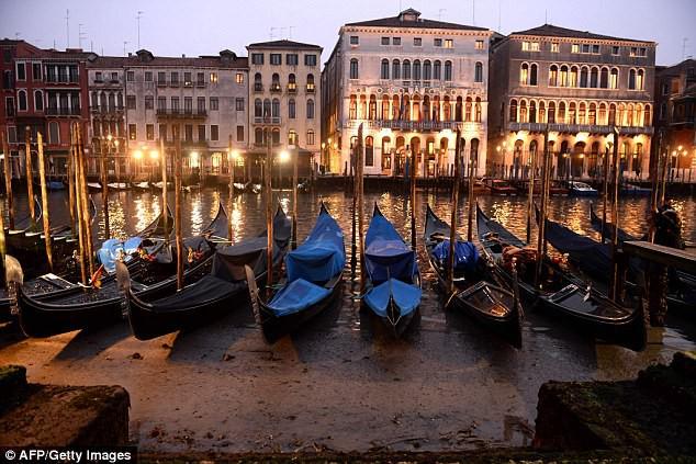 Venice cạn nước vì siêu trăng - ảnh 2