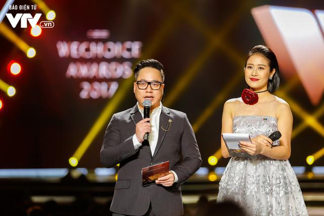 WeChoice Awards 2017: Bố con ông trùm Phan Quân nhận giải Phim truyền hình được yêu thích nhất cho Người phán xử - Ảnh 11.