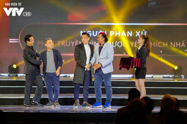 WeChoice Awards 2017: Bố con ông trùm Phan Quân nhận giải Phim truyền hình được yêu thích nhất cho Người phán xử - Ảnh 10.