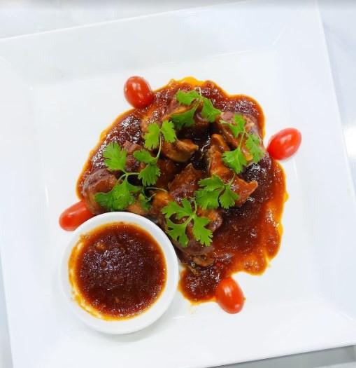 Đấu trường ẩm thực: Chọn món ăn dễ nhằn, Thanh Trúc vẫn bại thảm hại trước Hòa Hiệp - Ảnh 3.