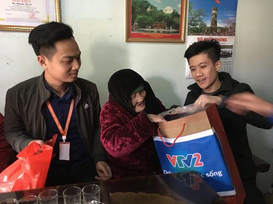 Đoàn Thanh niên Ban Khoa giáo thăm và tặng quà Mẹ Việt Nam anh hùng - Ảnh 6.