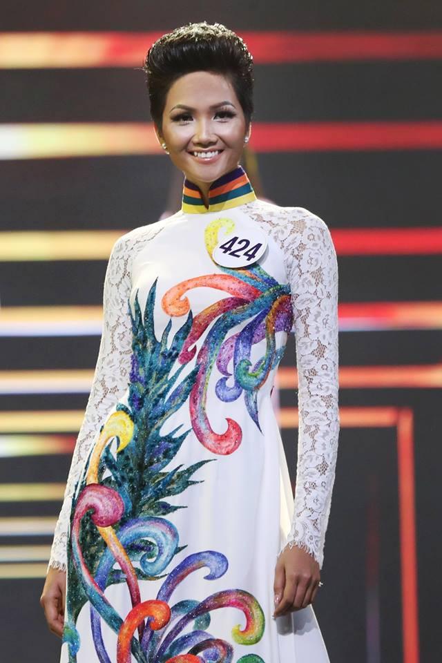 H'Hen Niê - Hành trình từ cô vịt xấu xí tới Hoa hậu Hoàn vũ Việt Nam - Ảnh 12.
