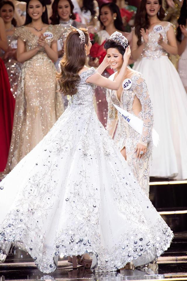 H'Hen Niê - Hành trình từ cô vịt xấu xí tới Hoa hậu Hoàn vũ Việt Nam - Ảnh 13.