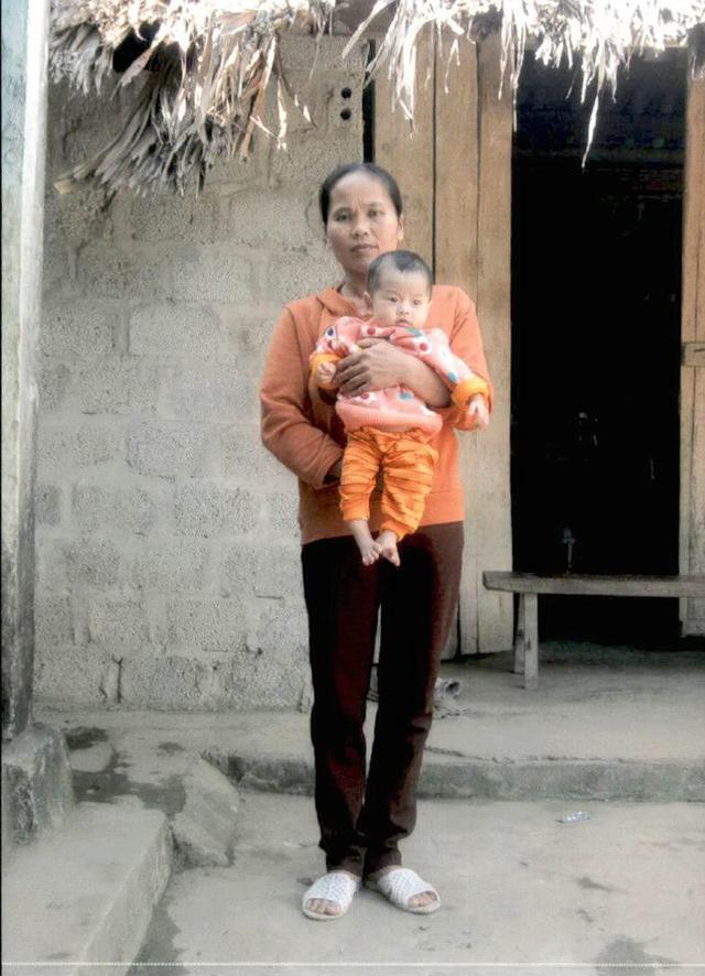 Xót xa bé gái dân tộc Mường mắc bệnh tim bẩm sinh - Ảnh 1.