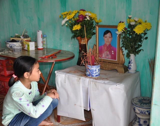 Mẹ chết, bố bỏ đi, bé 8 tháng tuổi ngằn ngặt khóc vì khát sữa - Ảnh 5.