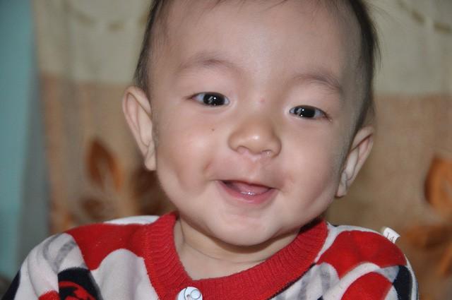 Mẹ chết, bố bỏ đi, bé 8 tháng tuổi ngằn ngặt khóc vì khát sữa - Ảnh 7.