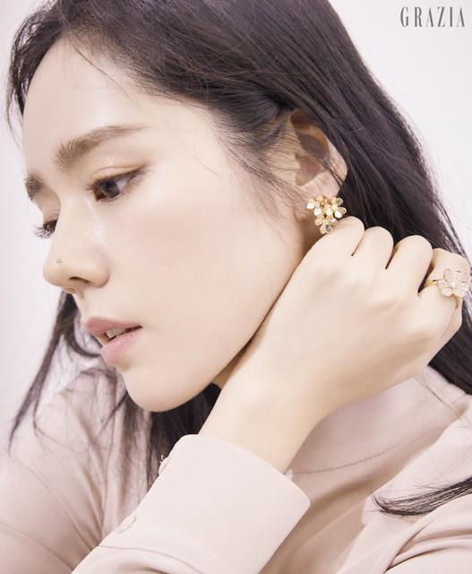 Han Ga In đẹp không góc chết trong loạt ảnh mới - Ảnh 1.