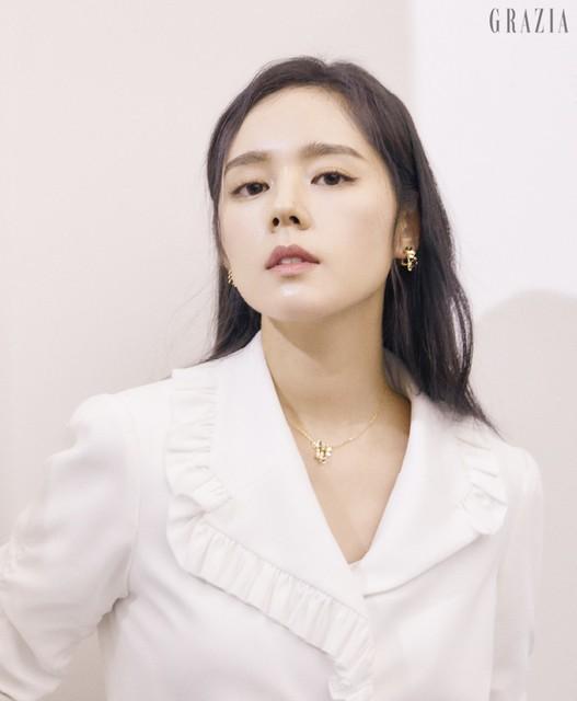 Han Ga In đẹp không góc chết trong loạt ảnh mới - Ảnh 2.