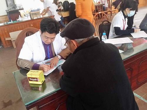 Nhà thuốc Đỗ Minh Đường đồng hành cùng Khỏe thật đơn giản chăm sóc sức khỏe người dân Việt - Ảnh 2.