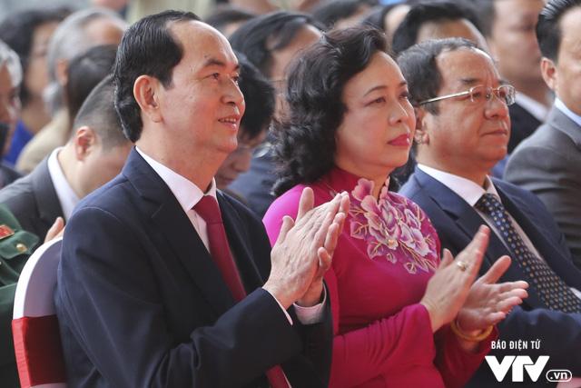 Chủ tịch nước Trần Đại Quang thăm gian hàng VTV tại Hội báo Toàn quốc 2018 - Ảnh 3.