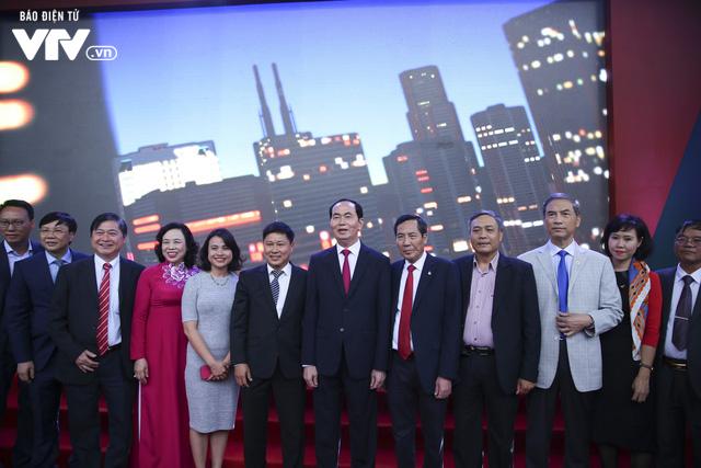 Chủ tịch nước Trần Đại Quang thăm gian hàng VTV tại Hội báo Toàn quốc 2018 - Ảnh 1.