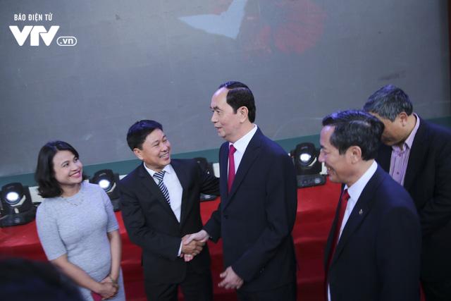 Chủ tịch nước Trần Đại Quang thăm gian hàng VTV tại Hội báo Toàn quốc 2018 - Ảnh 2.