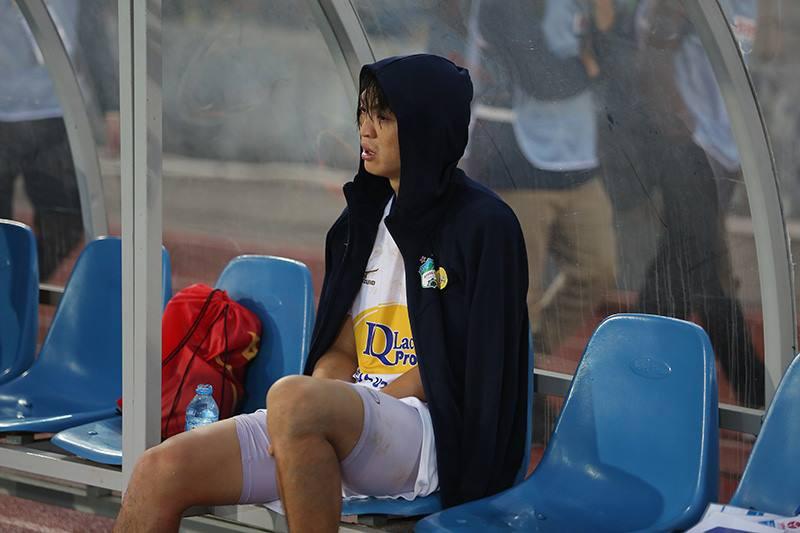 Điểm nhấn vòng 2 V.League 2018: Giọt nước mắt của Tuấn Anh trong ngày Lạch Tray không pháo sáng - Ảnh 1.