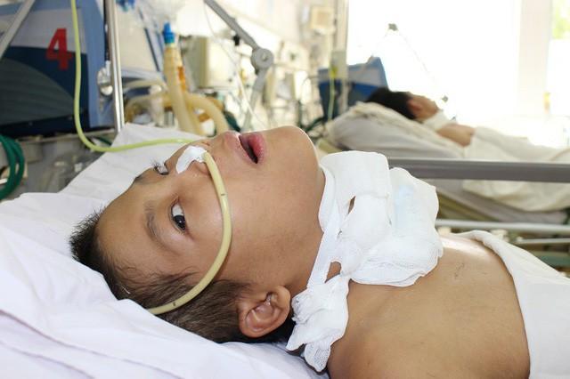 Mẹ lâm trọng bệnh, bé trai 8 tháng tuổi khát sữa - Ảnh 1.