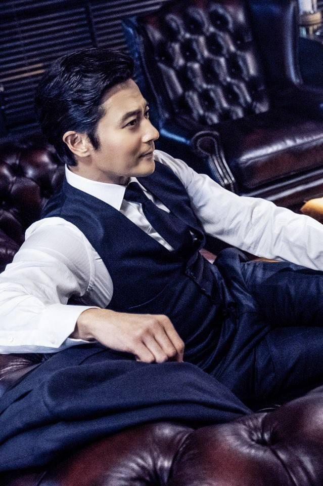 Jang Dong Gun trở lại cực chất trong hình ảnh luật sư - Ảnh 1.