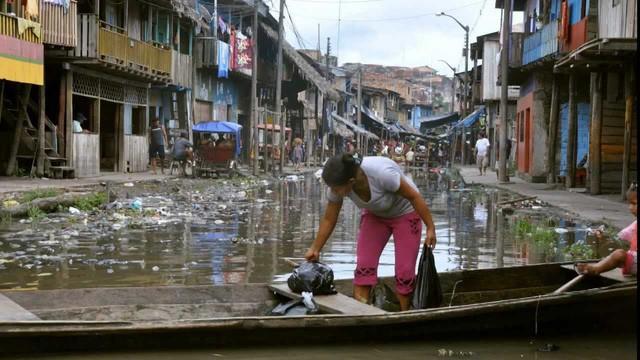 """Đến thăm """"thành phố nổi kiểu Venice"""" phiên bản'nghèo khổ và bẩn thỉu - ảnh 1"""