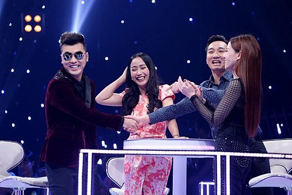 Cặp đôi một thời Ưng Hoàng Phúc - Thu Thủy song ca ngọt ngào trên sóng truyền hình - Ảnh 4.