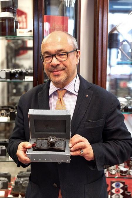 Chiếc máy ảnh đắt nhất thế giới được bán với giá 2,95 triệu USD - Ảnh 2.