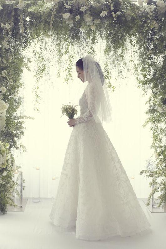 Mỹ nhân Bản tình ca mùa đông Choi Ji Woo đã kết hôn - Ảnh 1.