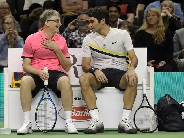 Roger Federer - Bill Gates đánh đôi gây quỹ từ thiện - Ảnh 1.