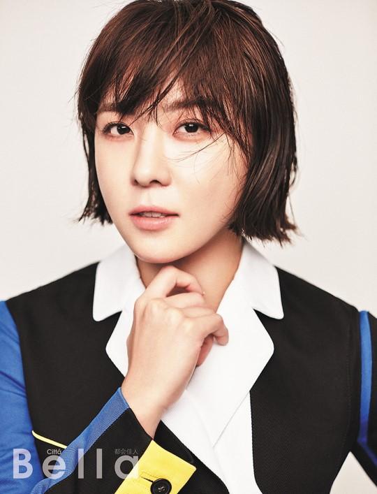 Ha Ji Won trở lại công việc sau cái chết của em trai - Ảnh 2.
