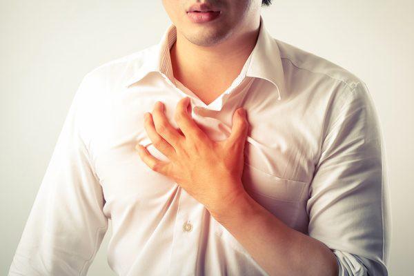 Cảnh giác với triệu chứng nóng rát thực quản thường xuyên - Ảnh 1.