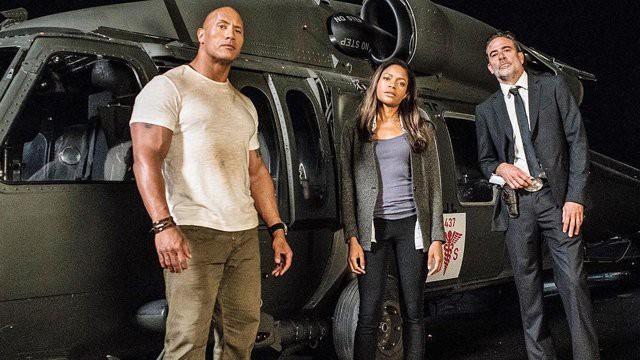 The Rock - Dwayne Johnson sẵn sàng chiến cả dàn siêu thú cuồng nộ trong Rampage - Ảnh 2.