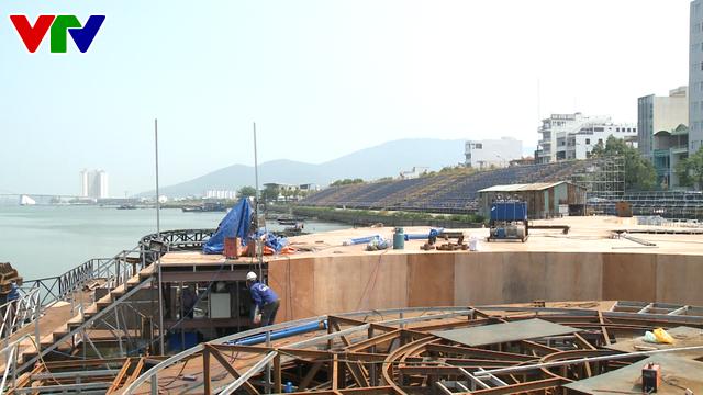 Đà Nẵng gấp rút tiến hành công tác chuẩn bị cho Lễ hội pháo hoa quốc tế DIFF 2018 - Ảnh 1.