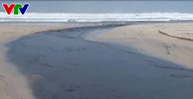Đà Nẵng phát hiện 2 doanh nghiệp lén lút xả nước ngầm ra biển - Ảnh 1.