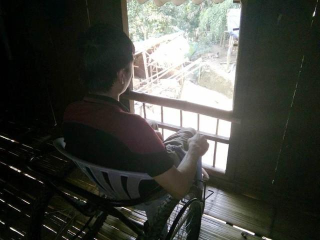 Nỗi tuyệt vọng cùng cực của chàng trai bất ngờ bị tai nạn liệt đôi chân - Ảnh 4.