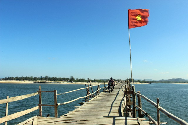 Cây cầu gỗ dài nhất Việt Nam: Điểm đến hấp dẫn tại Phú Yên - Ảnh 3.