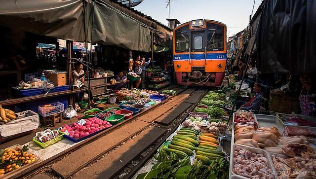 Đến thăm phiên chợ nguy hiểm nhất thế giới - ảnh 5