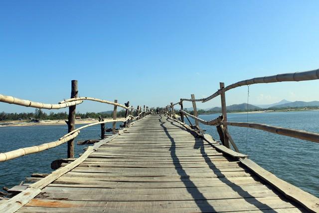 Cây cầu gỗ dài nhất Việt Nam: Điểm đến hấp dẫn tại Phú Yên - Ảnh 8.