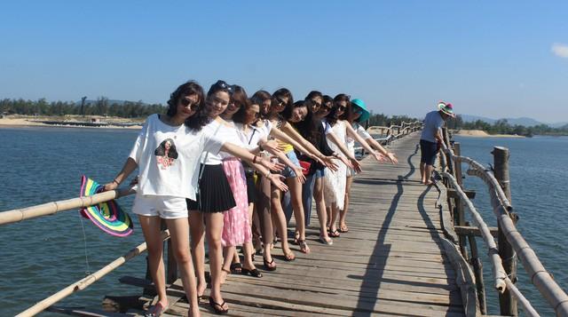 Cây cầu gỗ dài nhất Việt Nam: Điểm đến hấp dẫn tại Phú Yên - Ảnh 10.