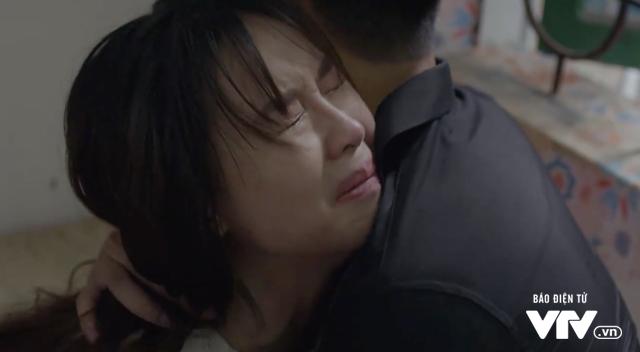 Quằn quại khi con gái mất tích trong Cả một đời ân oán, Hồng Diễm có xứng đáng giành giải VTV Awards? - Ảnh 1.