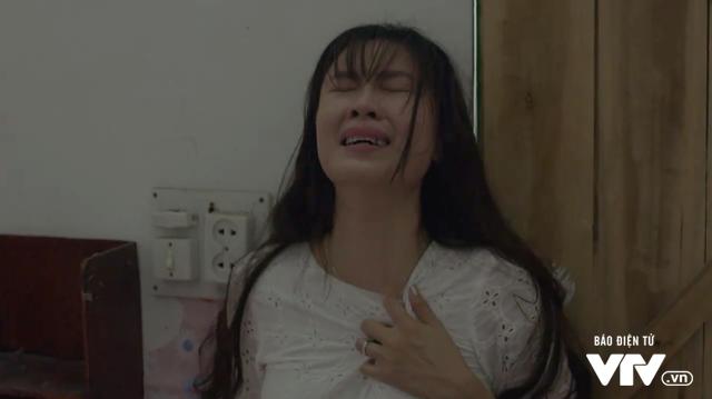 Quằn quại khi con gái mất tích trong Cả một đời ân oán, Hồng Diễm có xứng đáng giành giải VTV Awards? - Ảnh 2.