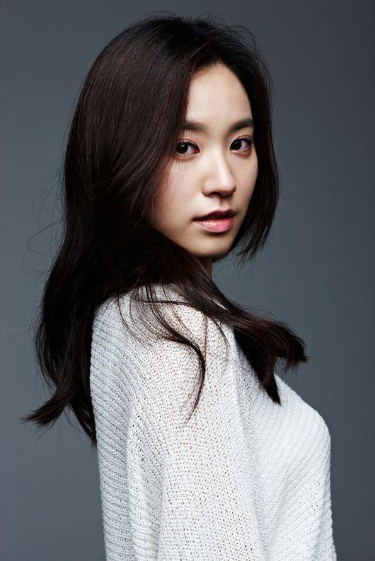 Điểm danh dàn diễn viên trong phim truyện Hàn Quốc Mãi mãi tuổi thanh xuân - Ảnh 5.