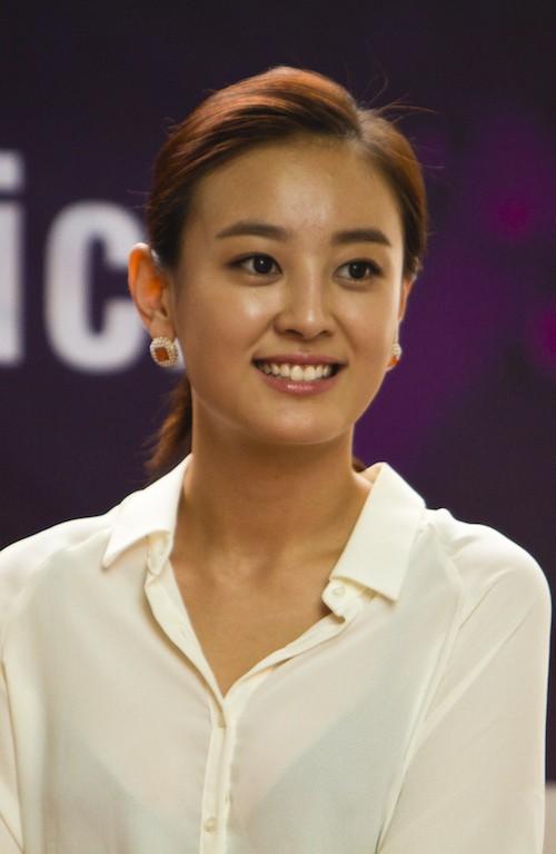 Điểm danh dàn diễn viên trong phim truyện Hàn Quốc Mãi mãi tuổi thanh xuân - Ảnh 1.