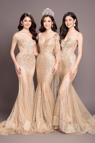 Hoa hậu Mỹ Linh kiêu sa đọ dáng bên hai Á hậu Thanh Tú và Thùy Dung - Ảnh 2.