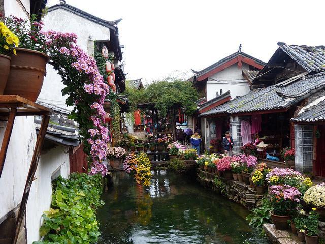 Bạn đã biết đây mới là cổ trấn đẹp nhất của Trung Quốc chưa? - Ảnh 1.