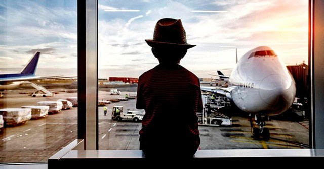 Trộm thẻ của mẹ, bé 12 tuổi một mình đi nghỉ dưỡng ở Bali - Ảnh 1.