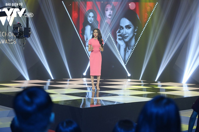 Hoa hậu chuyển giới Hương Giang tiết lộ 2 lần muốn tự tử - Ảnh 1.