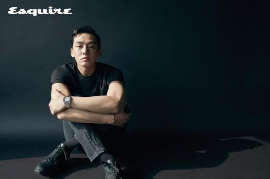 Park Hae Jin và Yoo Ah In đọ độ lạnh lùng trên tạp chí - Ảnh 7.