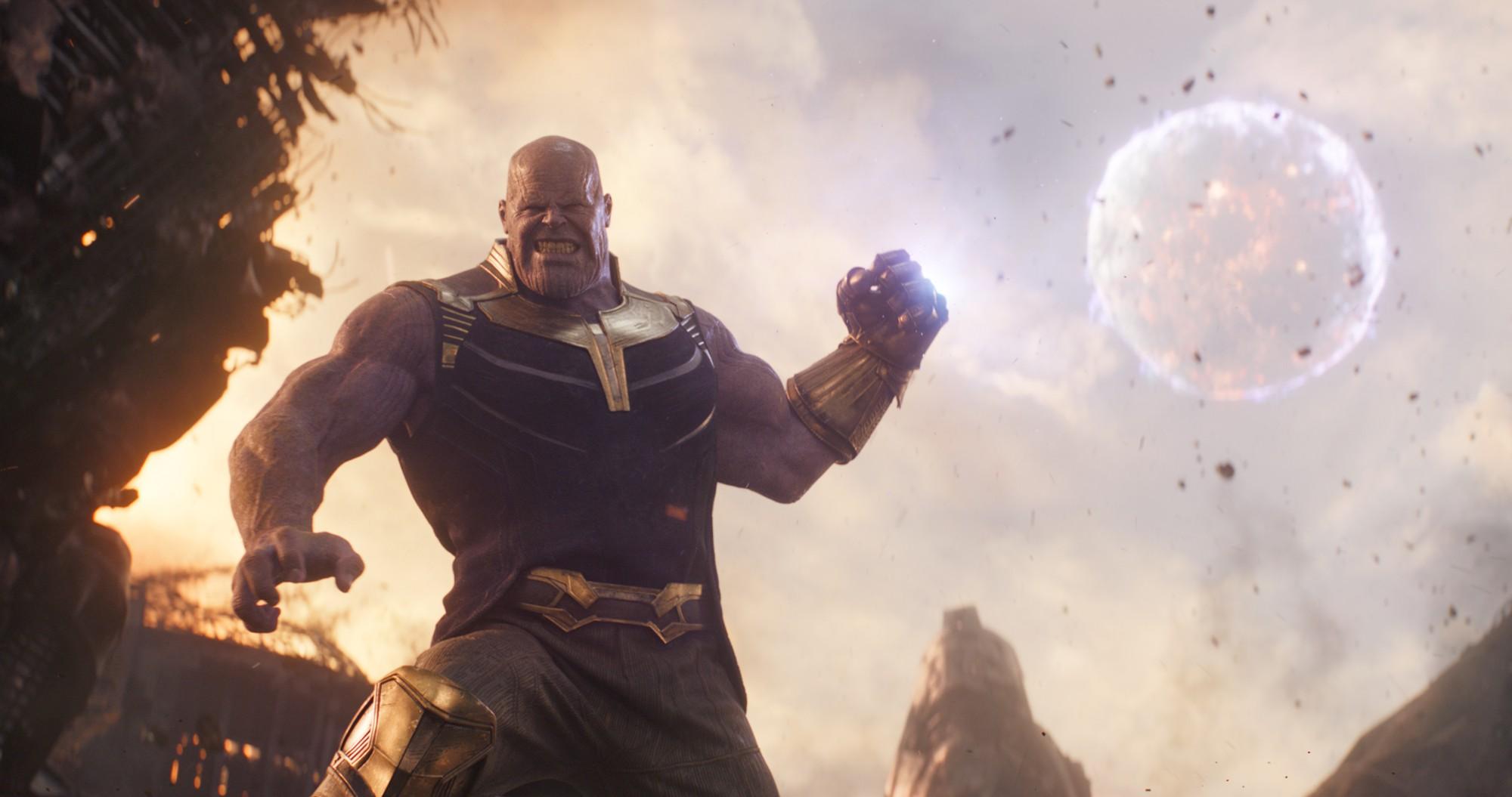Review Avengers: Cuộc Chiến Vô Cực - Nín thở, choáng váng và đầy cảm xúc dành tặng fan Marvel - Ảnh 8.
