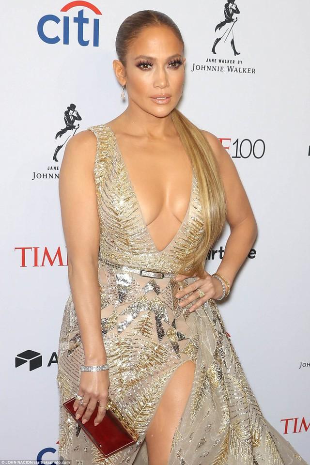 Jennifer Lopez tỏa sáng tại Gala tôn vinh 100 nhân vật có ảnh hưởng nhất thế giới - Ảnh 2.
