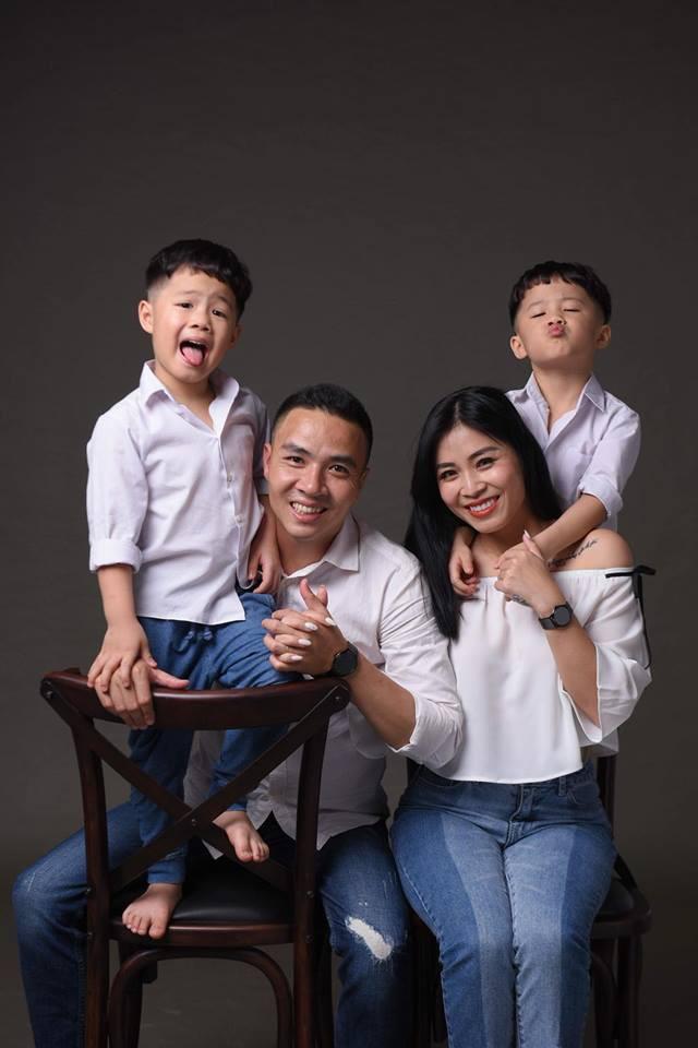 MC Hoàng Linh khoe bộ ảnh gia đình cực đáng yêu - Ảnh 4.
