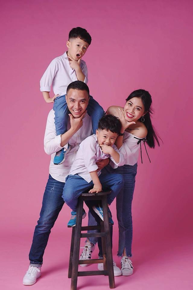 MC Hoàng Linh khoe bộ ảnh gia đình cực đáng yêu - Ảnh 6.