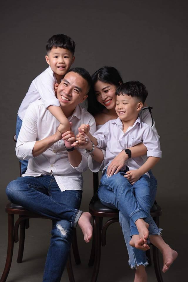 MC Hoàng Linh khoe bộ ảnh gia đình cực đáng yêu - Ảnh 9.