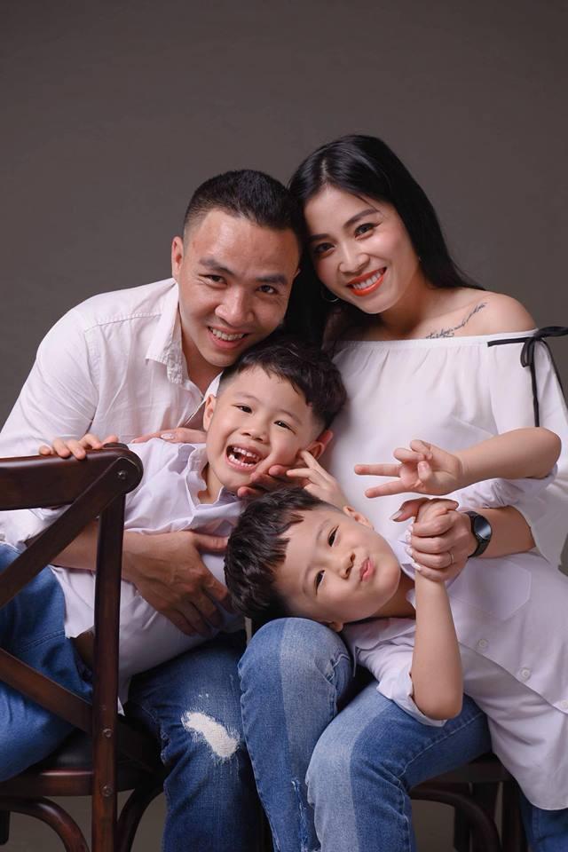 MC Hoàng Linh khoe bộ ảnh gia đình cực đáng yêu - Ảnh 17.